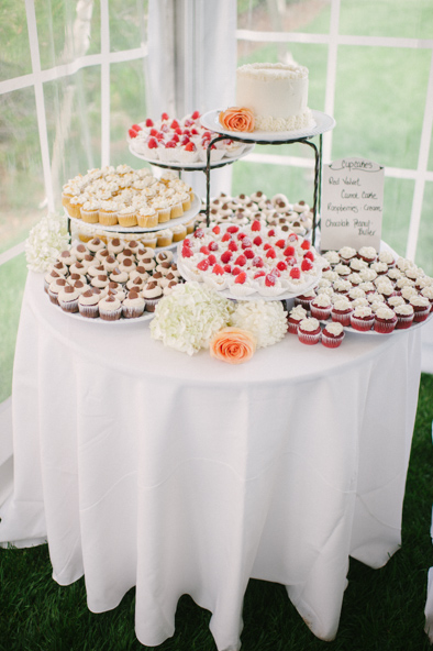 cupcakes at a wedding